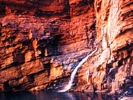 La cascada, Handrail Pool, Weano Gorge, Karijini National Park, Australia Occidental, Australia. Author and Copyright: Marco