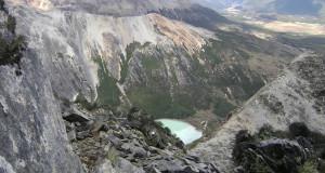 Laguna esmeralda desde Co. Bonete, Tierra del Fuego, Argentina. Autor y Copyright Guillermo Puliani