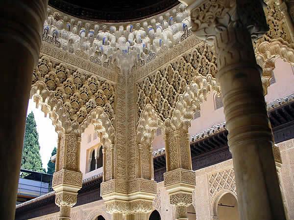 Alhambra, Granada, Andalucía, España. Author and Copyright: Liliana Ramerini