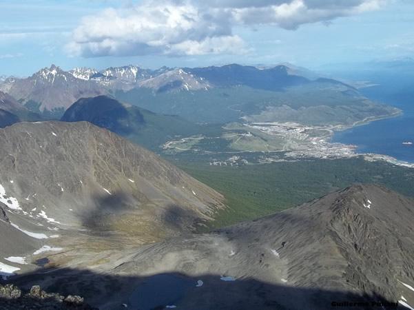 Cumbre Cerro Roy, Tierra del Fuego, Argentina. Autor y Copyright Guillermo Puliani