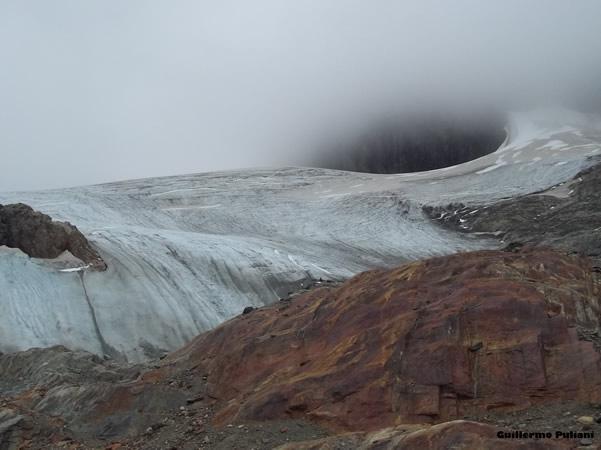 Glaciar Avear, Tierra del Fuego, Argentina. Autor y Copyright Guillermo Puliani. Cerro 5 Hermanos