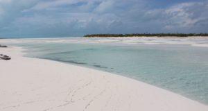 Bancos de arena, Sandy Cay, Exumas, Bahamas. Autor y Copyright Marco Ramerini..