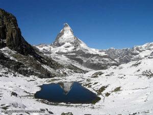 El Riffelsee y el Matterhorn-Cervino, Zermatt, Suiza. Autor y Copyright Marco Ramerini
