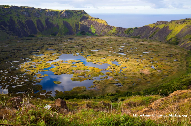 Rano Kau, Isla de Pascua, Chile. Autor y Copyright Marco Ramerini