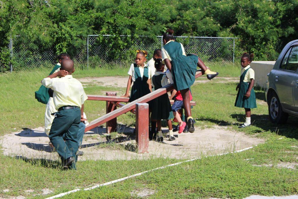 Niños, Long Island, Bahamas. Autor y Copyright Marco Ramerini