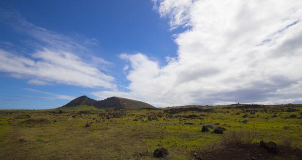 Rano Raraku, Isla de Pascua, Chile. Autor y Copyright Marco Ramerini