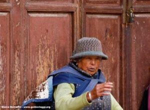 Mujer, Baisha, Yunnan, China. Autor y Copyright Marco Ramerini...