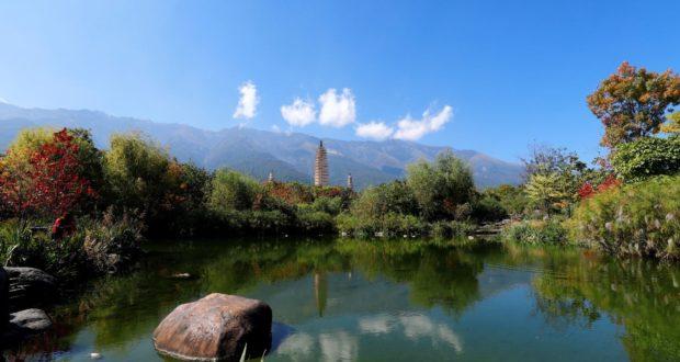 Tres pagodas del templo de Chongsheng, Dali, Yunnan, China. Autor y Copyright Marco Ramerini