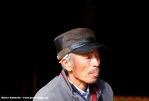 Hombre, Baisha, Yunnan, China. Autor y Copyright Marco Ramerini