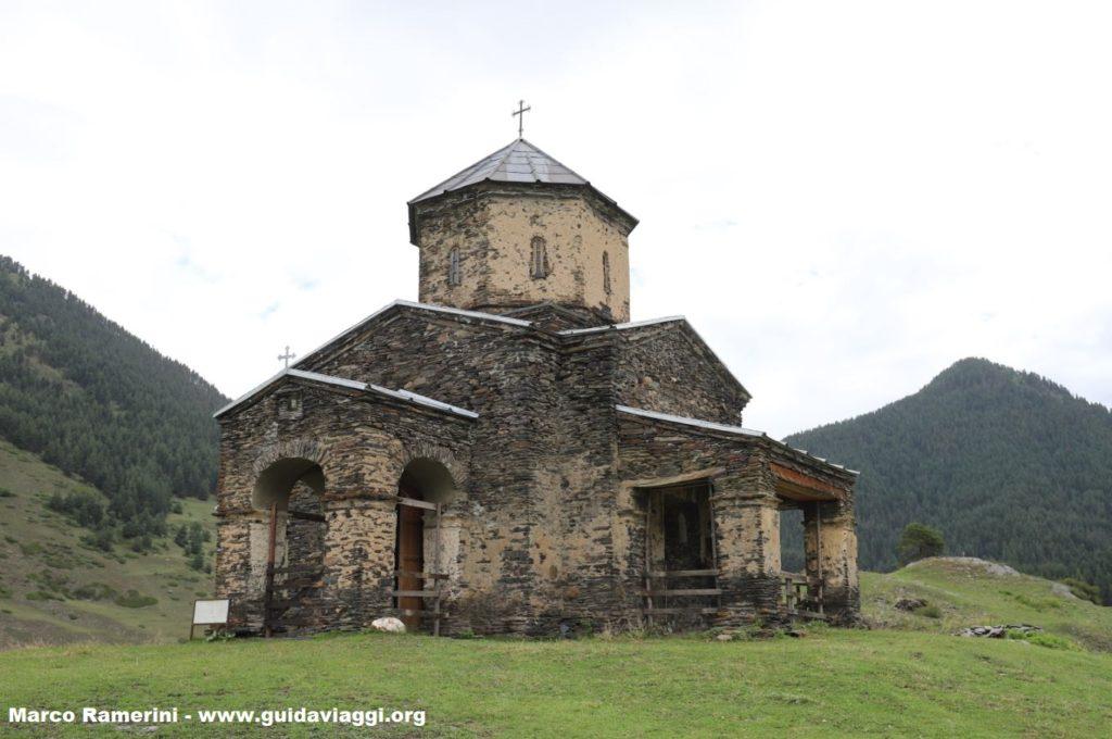 Iglesia, Shenakho, Tusheti, Georgia. Autor y Copyright Marco Ramerini