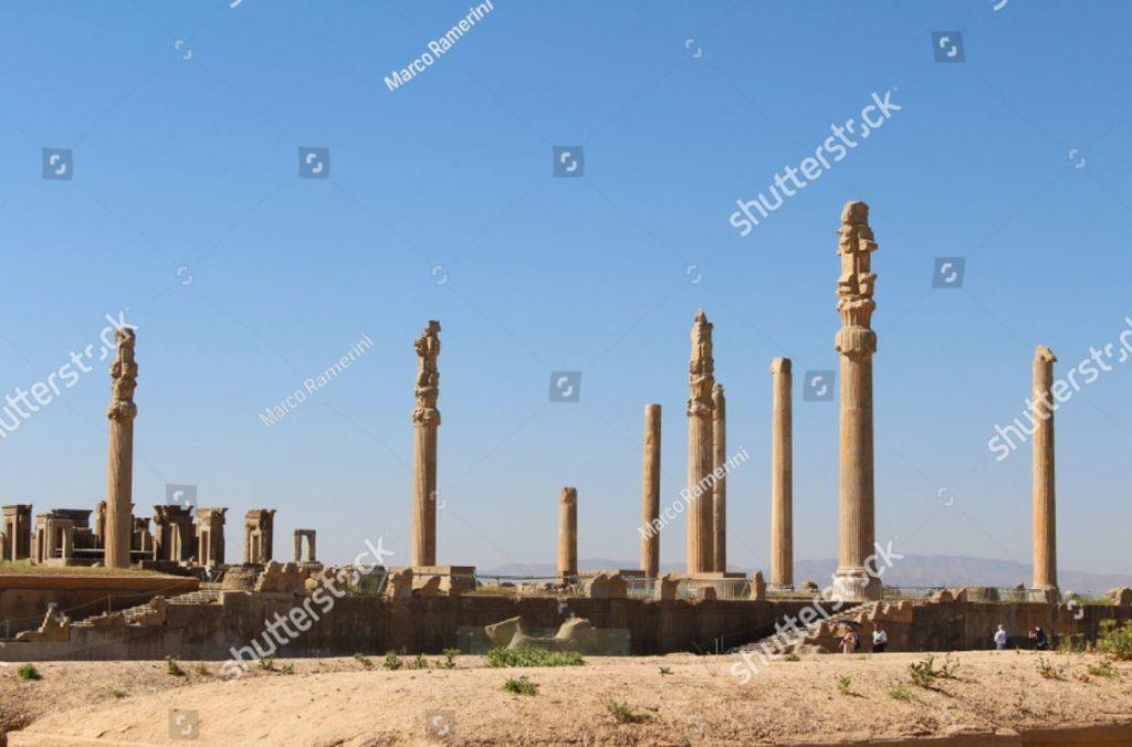 Columnata de Persépolis. Ruinas de la capital ceremonial del imperio persa (imperio aqueménida), Irán. Autor y Copyright Marco Ramerini