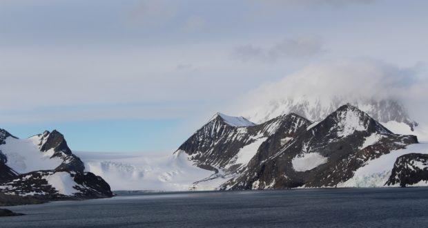 Hope Bay (Bahía Esperanza), Estrecho Antarctic, Antártida. Autor y Copyright Marco Ramerini