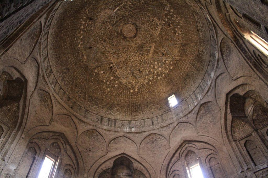 La cúpula de Taj al-Molk, Irán. Autor y Copyright Marco Ramerini