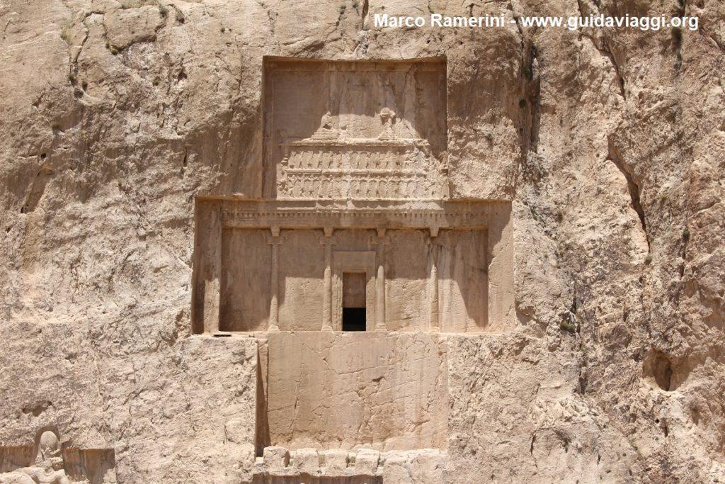 La tumba de Darío I, Naqsh-e Rostam, Irán. Autor y Copyright Marco Ramerini