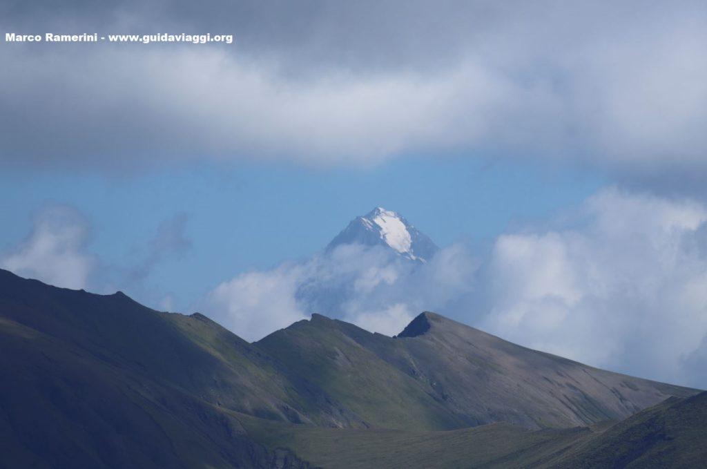 Las montañas del Cáucaso desde el paso de Abano, Tusheti, Georgia. Autor y Copyright Marco Ramerini.