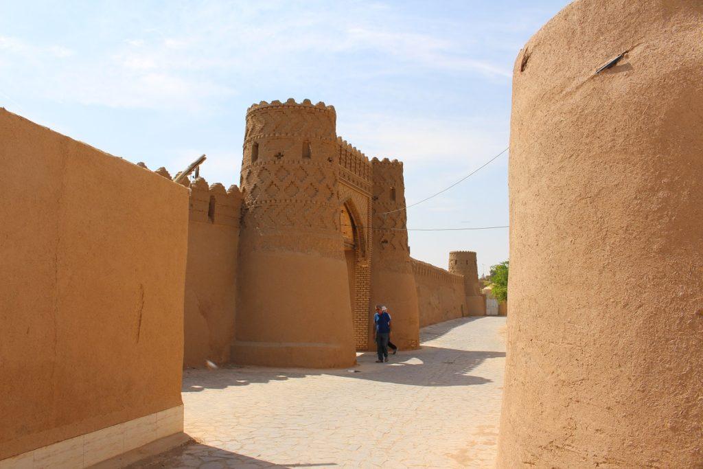 Puerta de los muros, Meybod, Irán. Autor y Copyright Marco Ramerini
