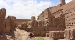 Restos de edificios, Rayen, Irán. Autor y Copyright Marco Ramerini