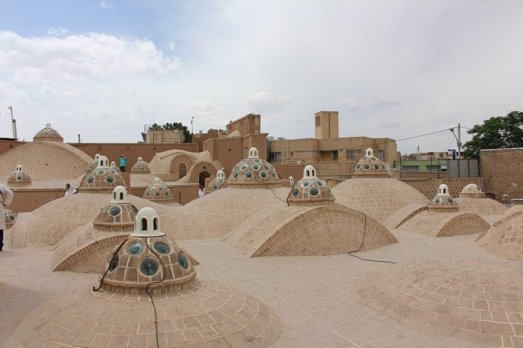 Techo del baño del sultán Amir Ahmad, Kashan, Irán. Autor y Copyright Marco Ramerini.