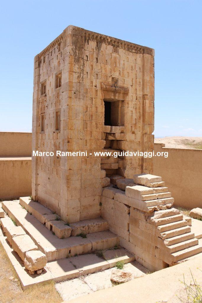 Torre de Ka'bah en Zoroastro, Naqsh-e Rostam, Irán. Autor y Copyright Marco Ramerini