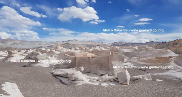 Campo de piedra pómez, Puna, Argentina. Autor y Copyright Marco Ramerini ..
