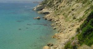 La costa cerca de Koroni, Cefalonia, Islas Jónicas, Grecia. Autor y Copyright Niccolò di Lalla.