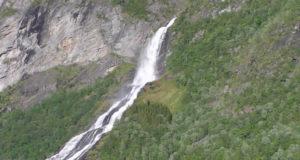 Cascada Friaren (Friarfossen), Geirangerfjord, Noruega. Autor y Copyright Marco Ramerini