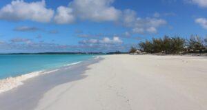 Playa de Cabo Santa María, Long Island, Bahamas. Autor y copyright Marco Ramerini