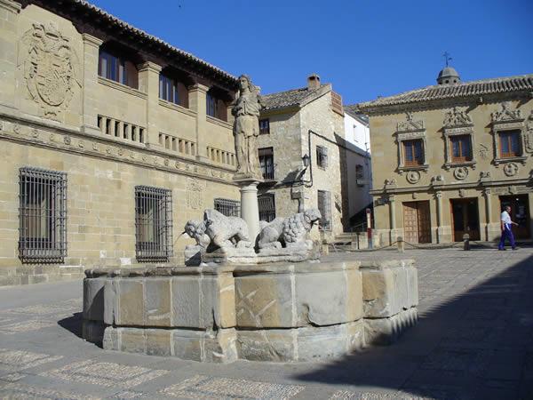 Fuente de los Leones, Baeza, Andalucía, España. Autor y Copyright Liliana Ramerini