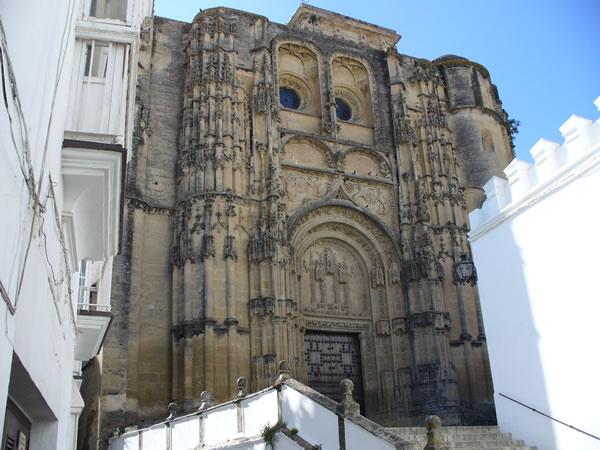 Iglesia Parroquial de Santa María de la Asunción, Arcos de la Frontera, Andalucía, España. Autor y Copyright Liliana Ramerini