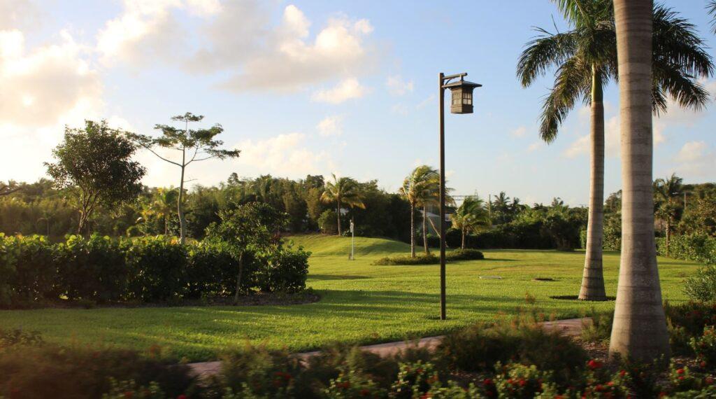 Gold Course, Nassau, New Providence, Bahamas. Author and Copyright Marco Ramerini,